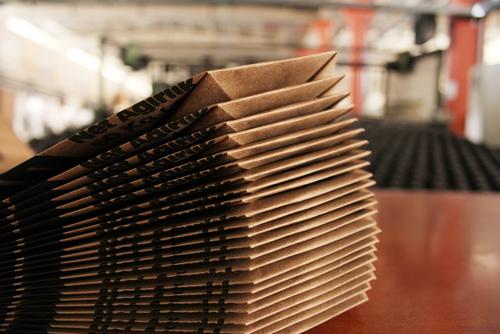 オリジナル紙袋 海外生産