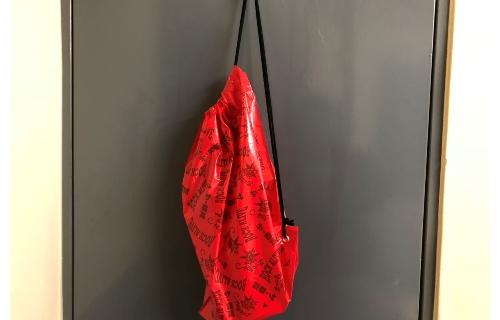 ビニール袋 ショルダーバッグ 表面